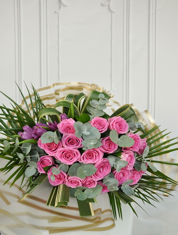 Bouquet Chic Gül ve Lale Buketi alt